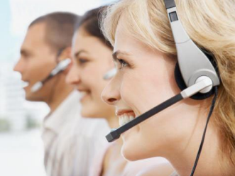 live receptionist helping your business